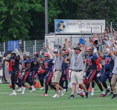 Hamburg Sea Devils feiern Sieg
